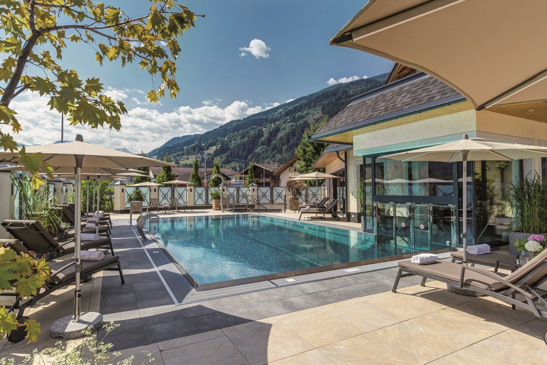 Wellnesshotel: beheizter Außenpool Hotel Post in Kaltenbach, Sommer - Hotel Post Kaltenbach