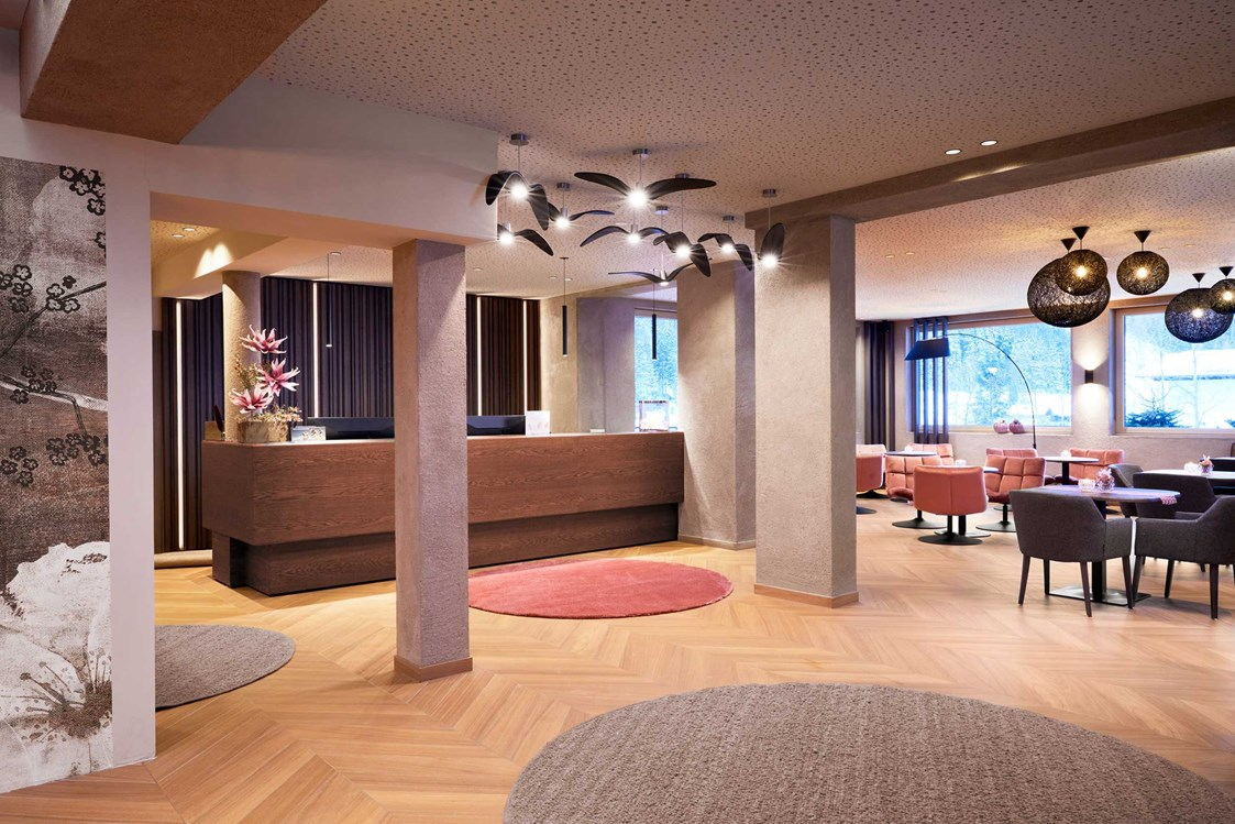 Wellnesshotel: Rezeption und Lobby  - Adler Inn - ADLER INN Tyrol Mountain Resort