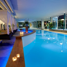 Wellnesshotel: Innenpool - Göbel's Hotel AquaVita