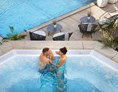 Wellnesshotel: Outdoor-Whirlpool - 5-Sterne Wellnesshotel Jagdhof