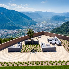 Wellnesshotel: Skylounge with view of Bolzano  - Hotel Belvedere