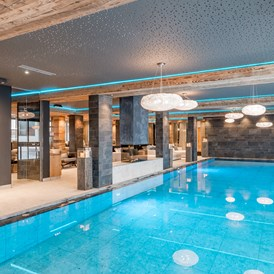 Wellnesshotel: Indoor Pool  - Aktiv- & Wellnesshotel Bergfried